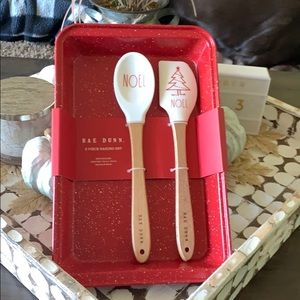 ✨NEW! Rae Dunn 3 Piece Baking Set